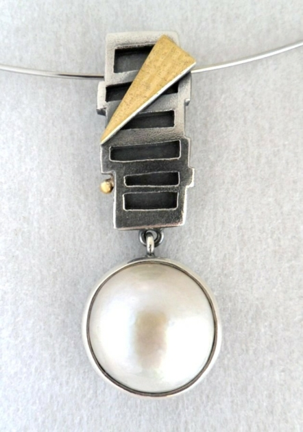 Rita Winkler, Sterling Silver, 24ct Gold, Mabe Pearl on stainless steel choker 46mm x 16mm
