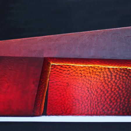 Peter Kovacsy, Uluru-Sunrise, glass sculpture